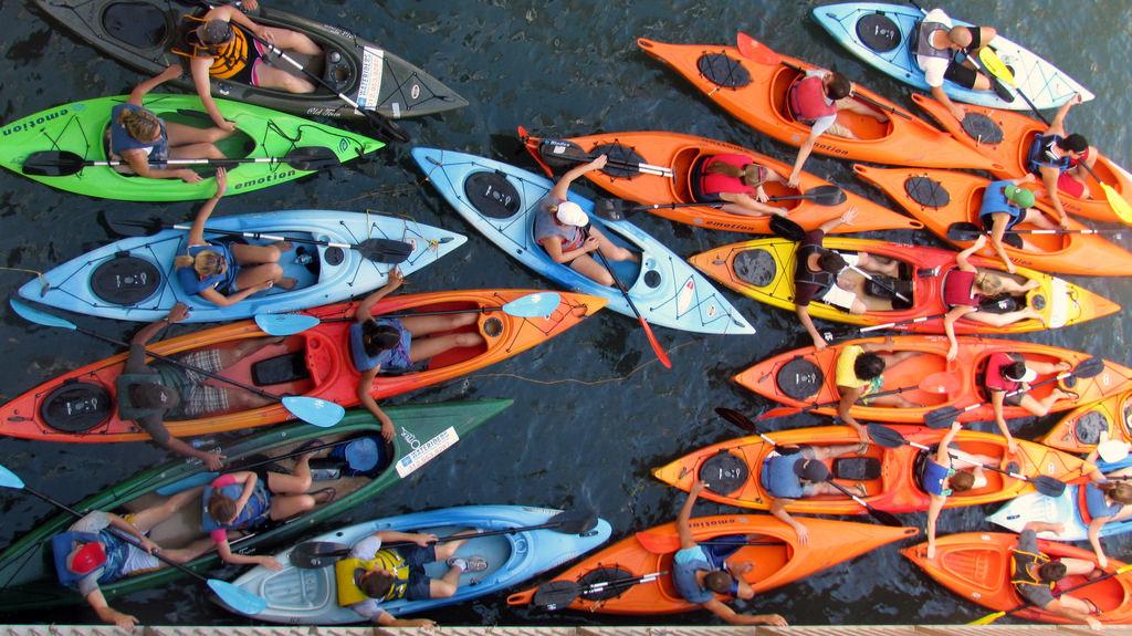 huong-dan-chon-thuyen-kayak-wetrek.vn