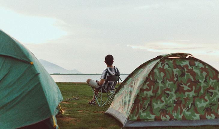 Hạ trại, vui chơi xong ngồi hóng gió cảm giác thật chill