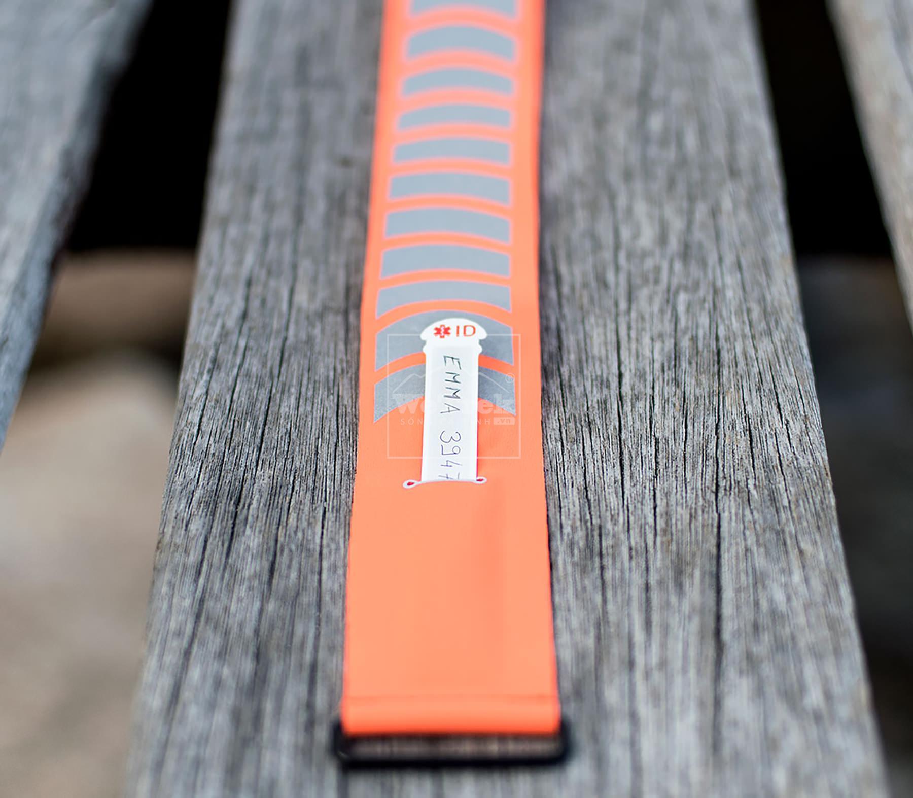 vong-tay-chong-muoi-the-thao-Parakito-Orange-Sport-Band-8026-Cam-5.jpg