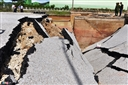 Cầu Yên Hòa ở Thanh Hóa bị xé toạc sau cơn bão số 2, 2 người đã tử vong