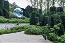 Khu vườn kỳ dị ở Pháp chứa các viên đá mặt người khổng lồ